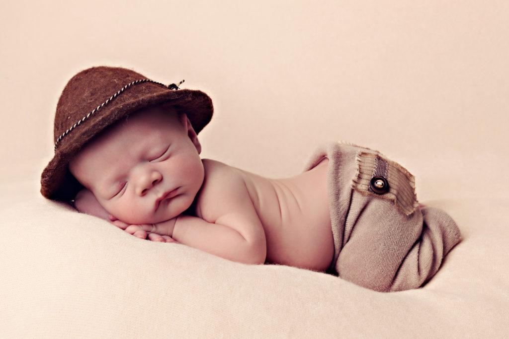 Neugeborenen Shooting im Fruehling