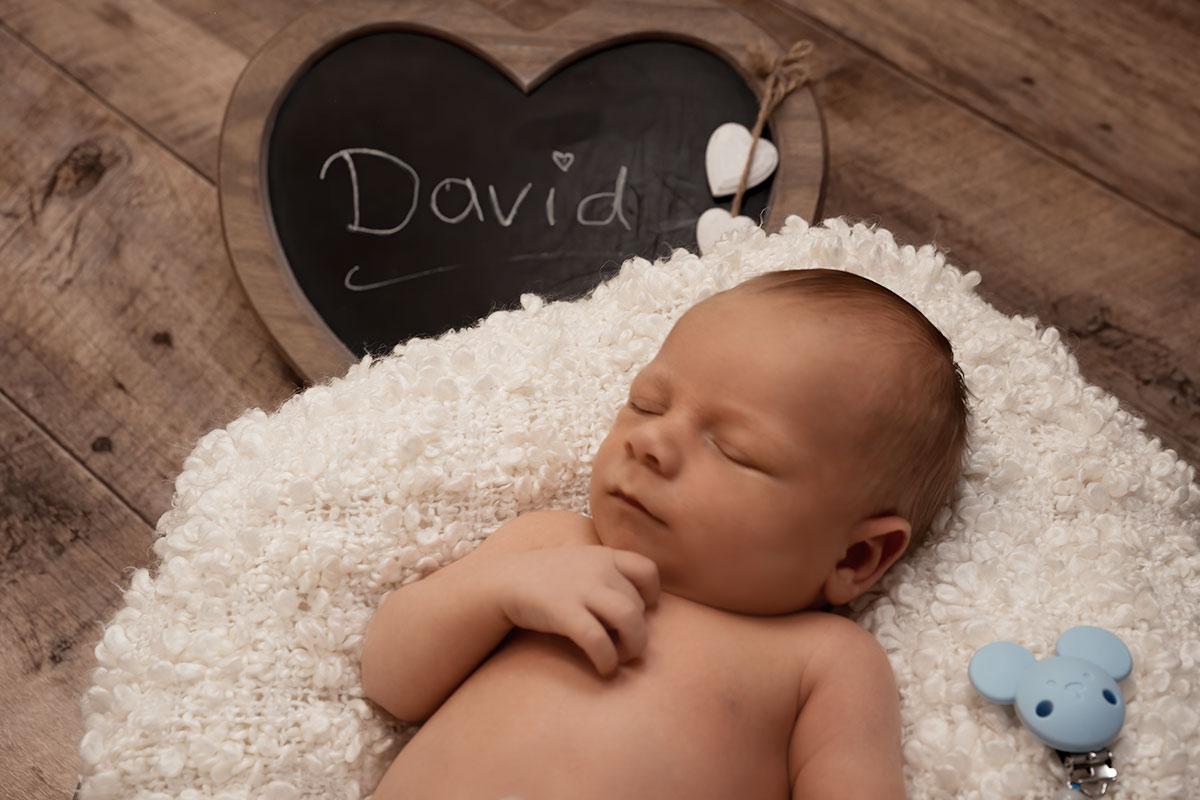 Neugeborenen Shooting im Donna Bellini Fotostudio
